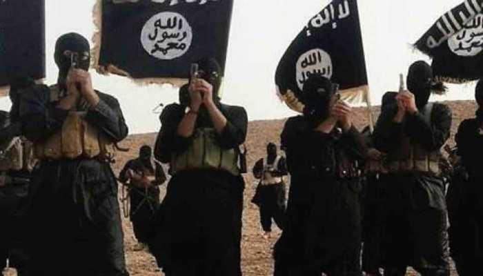 पाकिस्तान में ISIS के 2 संदिग्ध आतंकी गिरफ्तार, ग्रेनेड, हथियार और नकदी बरामद