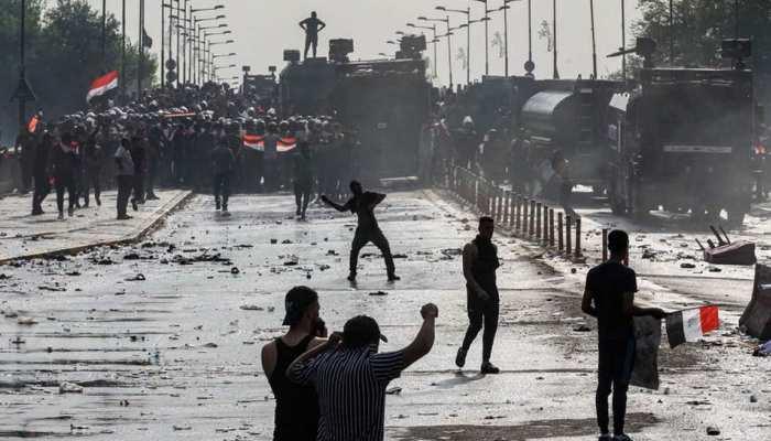इराक: बगदाद में सरकार विरोधी प्रदर्शन में गोलीबारी से 16 की मौत, 45 घायल