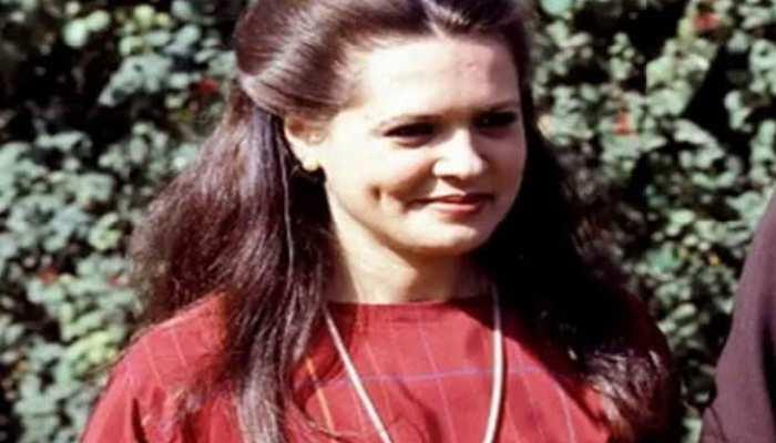Sonia Gandhi present congress president biography