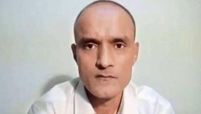 कुलभूषण जाधव को लेकर पाकिस्तान का नया पैंतरा, बोला- पाकिस्तानी वकील रखेगा जाधव का पक्ष