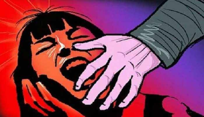 बिहार: बेगूसराय में चार साल की बच्ची के साथ दुष्कर्म, आरोपी की गिरफ्तारी के लिए छापेमारी जारी