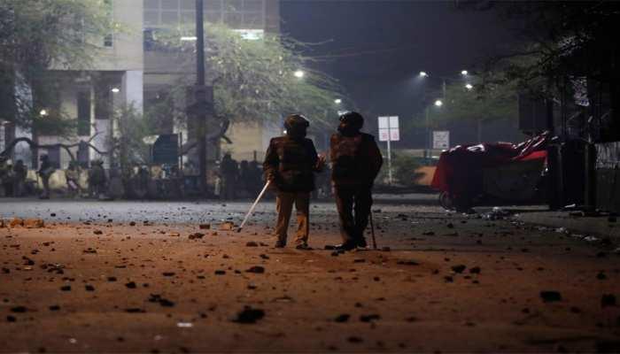 जामिया नगर हिंसा मामले में दिल्ली पुलिस ने दर्ज किए 2 केस, राजधानी में 'अलर्ट'