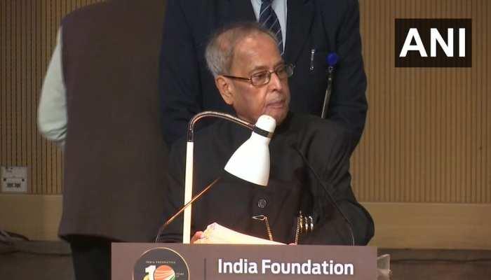 पूर्व राष्ट्रपति प्रणब मुखर्जी ने कहा, लोकसभा की सीटें बढ़ाकर 1000 की जाएं
