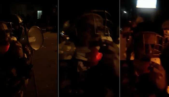 जामिया हिंसा: सामने आया दिल्ली के ज्वाइंट सीपी का VIDEO, छात्रों से शांति की अपील करते दिखे