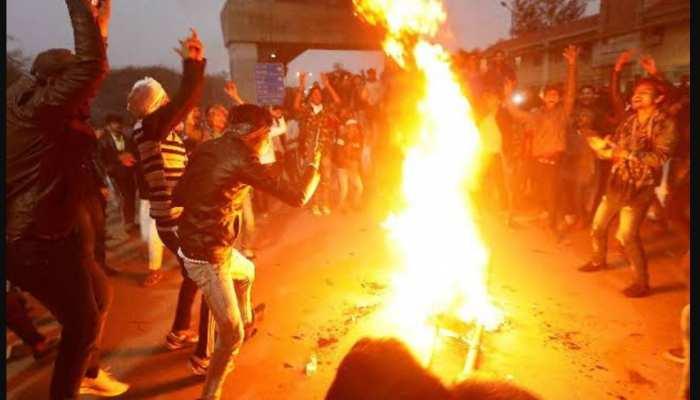 जामिया हिंसा: पुलिस ने 10 को दबोचा, 'स्टूडेंट नहीं, वो क्रिमिनल हैं'