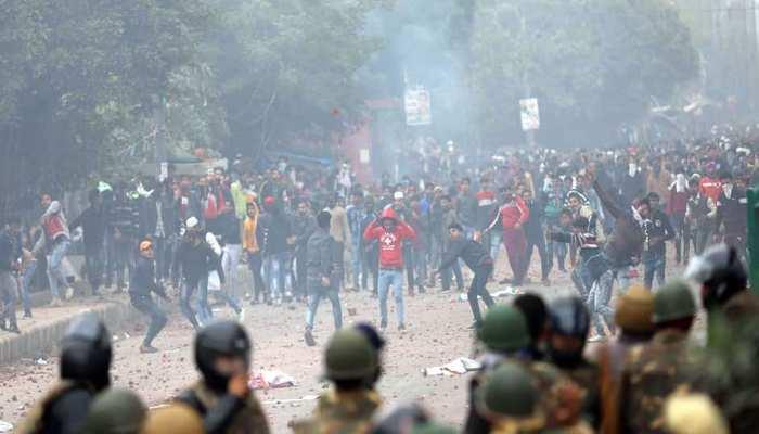 सीलमपुर-जाफराबाद हिंसा मामले में 2 FIR दर्ज, जानें अभी कैसे हैं हालात