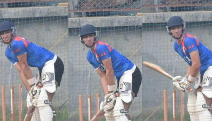 दादा मंसूर अली खान पटौदी की तरह क्रिकेट खेलते दिखे इब्राहिम अली खान, VIDEO वायरल