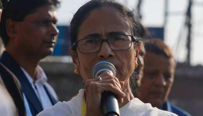 CM ममता बनर्जी का विवादित बयान, CAA पर की जनमत संग्रह की मांग