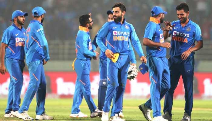 PHOTOS: 'कोहली एंड कंपनी' ने कटक वनडे से पहले लिया ब्रेक, विंडीज से 22 को होगा मैच