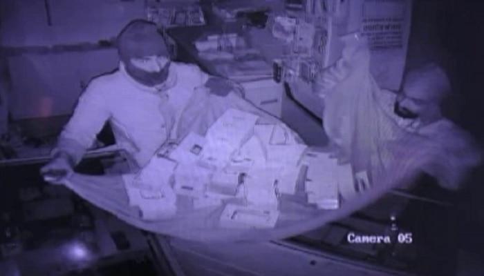 दौसा: चोरों ने मोबाइल शॉप को बनाया निशाना, लाखों के माल पर किया हाथ साफ