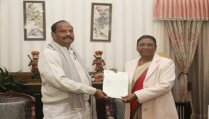रांची: रघुवर दास ने राज्यपाल को सौंपा इस्तीफा, बोले-सकारात्मक विपक्ष की निभाएंगे भूमिका