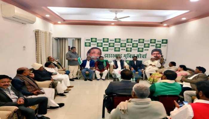 रांची: शिबू सोरेन के आवास पर हुई बैठक, हेमंत सोरेन चुने गए JMM विधायक दल के नेता