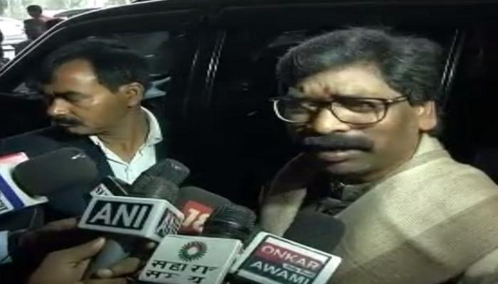 रांची: हेमंत सोरेन रवाना हुए दिल्ली, PM, सोनिया गांधी समेत कई नेताओं को देंगे आमंत्रण
