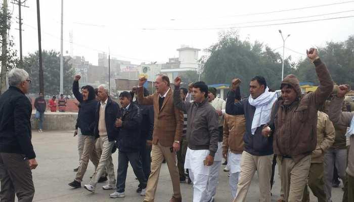 हरियाणा: रोडवेज कर्मचारियों की यूनियन ने पूरे राज्य में किया प्रदर्शन, सरकार को 29 दिसंबर तक का अल्टीमेटम