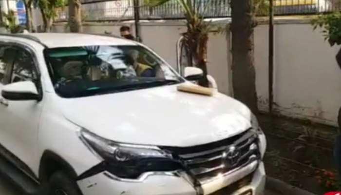 दिल्लीः फॉर्च्यूनर कार में मिली बिजनेसमैन की लाश, सुसाइड की आशंका