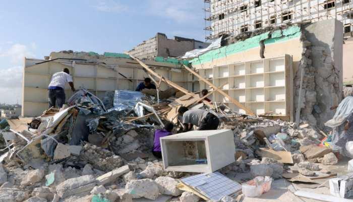 सोमालिया में कार बम विस्फोट में 90 मरे, आत्मघाती हमलावर ने अपने वाहन को उड़ाया