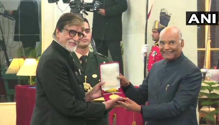 दादा साहेब फाल्के पुरस्कार से सम्मानित किए गए बॉलीवुड के महानायक अमिताभ बच्चन