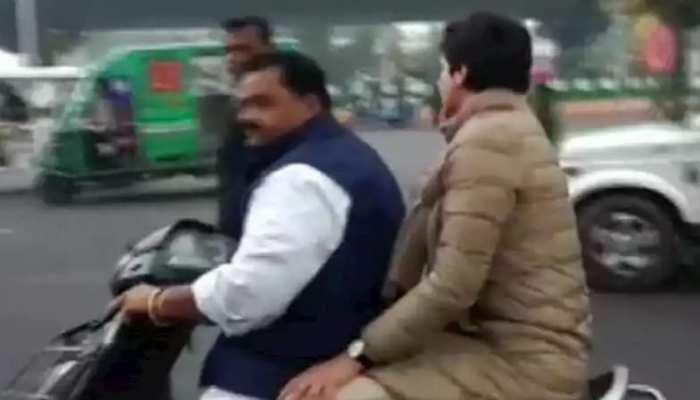 प्रियंका को बैठाकर विधायक ने बिना हेल्मेट चलाई स्कूटी, 6300 का कटा चालान