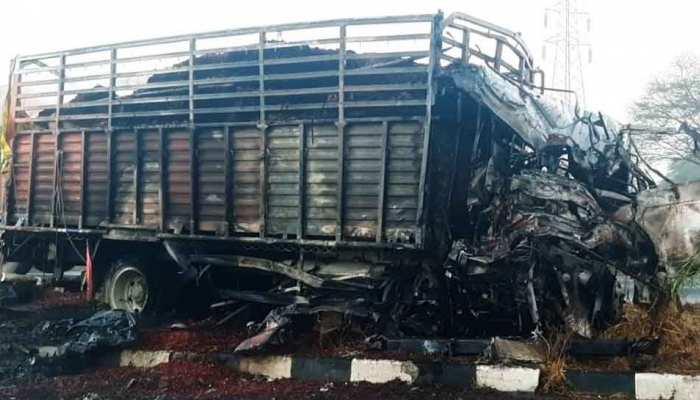 MP: रतलाम में भीषण सड़क हादसा, दो ट्रकों में हुई भिड़ंत, 3 की मौत