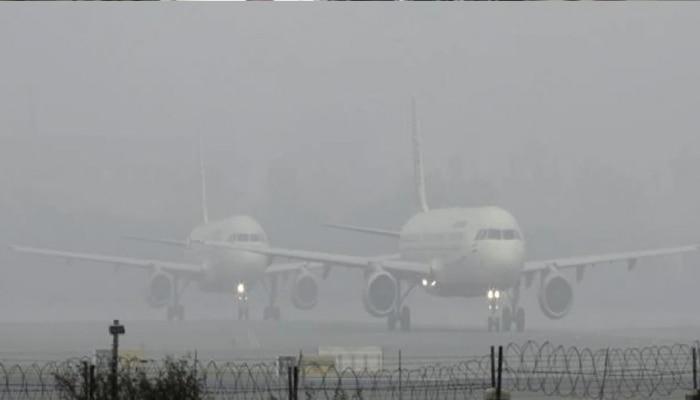 जयपुर: कड़ाके की सर्दी का सितम जारी, कोहरे के चलते विमानों का आवागमन प्रभावित