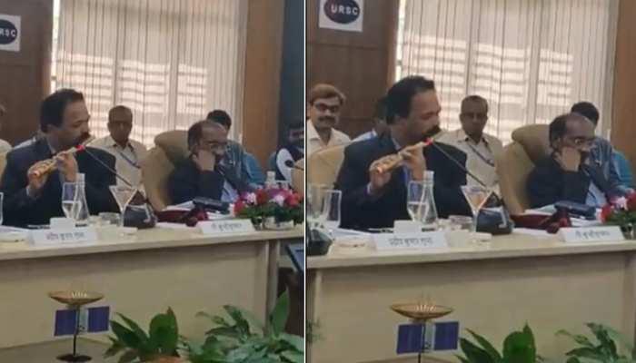 जब इसरो के साइंटिस्ट ने बजाई बांसुरी, देखें मंत्रमुग्ध कर देने वाला ये VIDEO