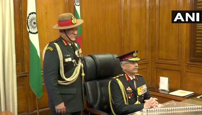 जनरल मनोज मुकुंद नरवणे ने संभाली सेना की कमान, जनरल बिपिन रावत की जगह ली