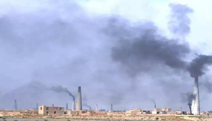 प्रदूषण ने मचाया हाहाकार, 7 दिनों में 17 लोगों की मौत; हजारों अस्पताल में भर्ती