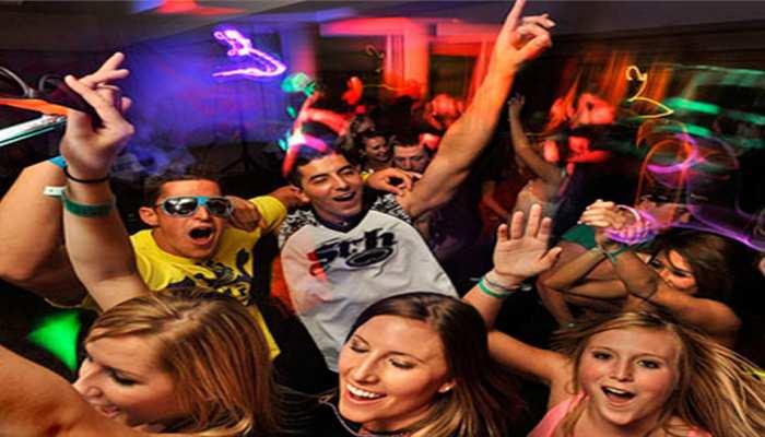 New Year party: ये आसान उपाय बचा सकती हैं Hangover से