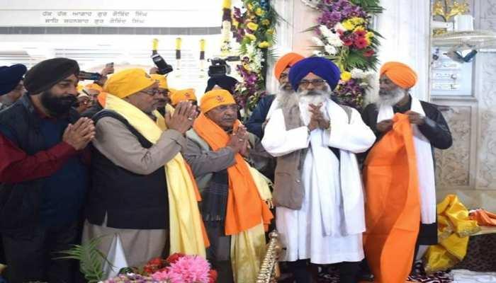 गुरु गोविंद सिंह के प्रकाश पर्व में शामिल हुए CM नीतीश, गुरुद्वारे के कैलेंडर को किया लॉन्च