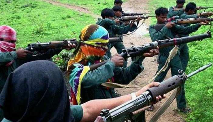 झारखंड: नक्सलियों ने 6 वाहनों को आग लगाई, कंस्ट्रक्शन कंपनी से मांगे थे 8 करोड़