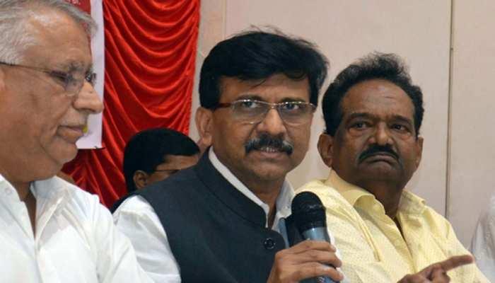 मुंबई: CAA के विरोध में सजे मंच में पहुंचे संजय राउत, नागरिकता कानून पर दिया ये बड़ा बयान