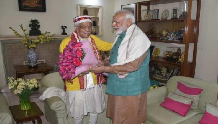 86वें जन्मदिन पर मुरली मनोहर जोशी को पीएम मोदी ने घर जाकर दीं शुभकामनाएं