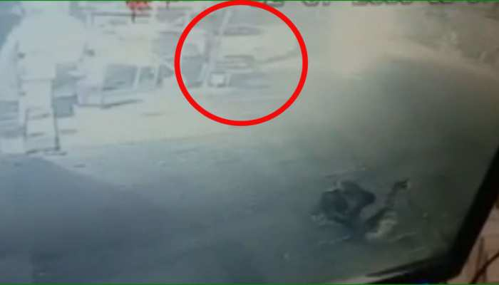 सीकर: व्यापारी को पिस्टल की नोंक पर लूटने का प्रयास, सीसीटीवी कैमरे में कैद हुई वारदात