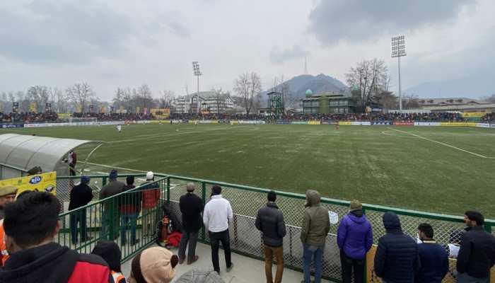 कश्मीर की टीम और मोहन बघान के बीच हुआ फुटबॉल का महामैच, ये रहा नतीजा