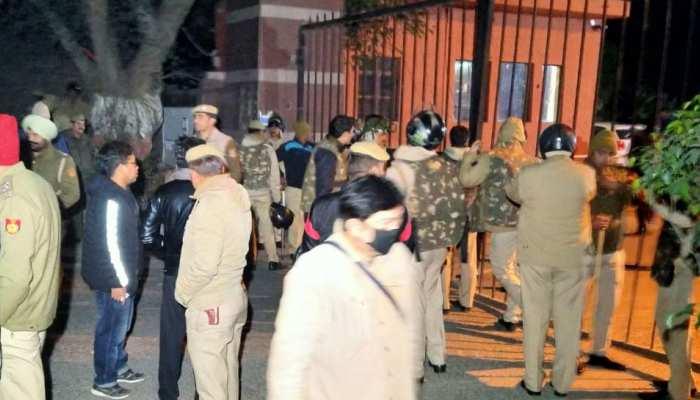 JNU में हुई हिंसा पर गृह मंत्री अमित शाह ने की दिल्ली पुलिस कमिश्नर से बात, मांगी रिपोर्ट