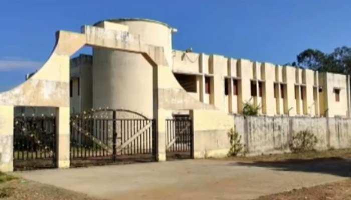 नीमच: करोड़ों की लागत से तैयार की गई थी गर्ल्स हॉस्टल की बिल्डिंग, अब खा रही धूल