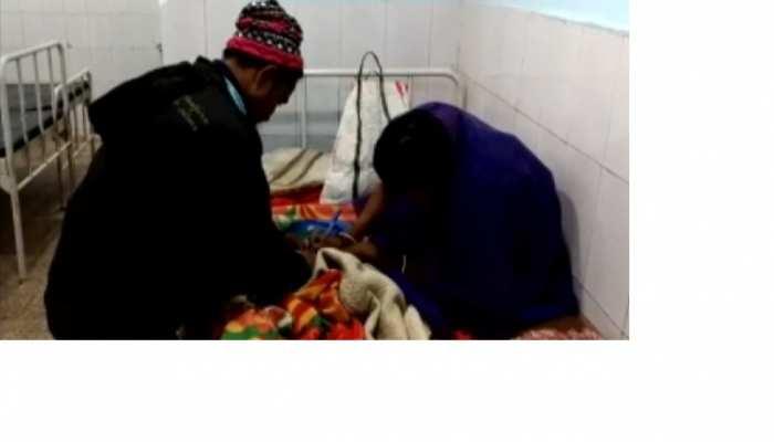 बिहार: प्रसव कराने पहुंची महिलाओं से नर्सों ने की अवैध वसूली, जानें पूरा मामला