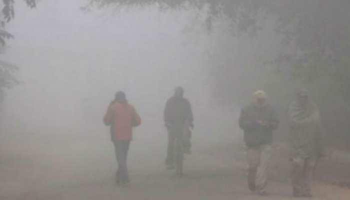 UP: ठंडे के चलते बढ़ाई गई स्कूलों में छुट्टियां, इन-इन जिलों में बंद रहेंगे स्कूल