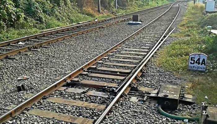 जौनपुर: रेलवे ट्रैक के किनारे मिला महिला का शव, रेप कर फेंकने की आशंका