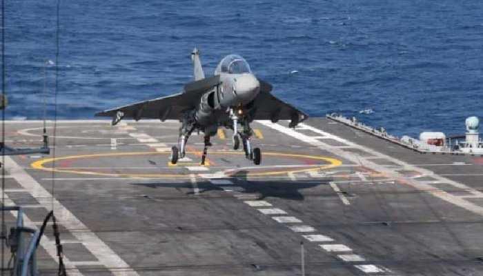'तेजस' का नौसैनिक अवतार आया सामने