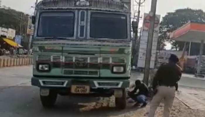 MP: बेतरतीब खड़े ट्रक और कार की टक्कर में व्यापारी की मौत, एक्शन में आई पुलिस