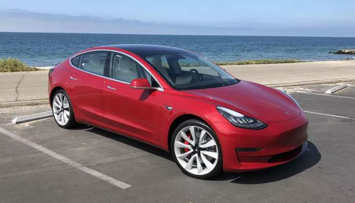 ये है नई कार जो राहगीरों से करती है बात, जानें क्या हैं इसके फीचर्स