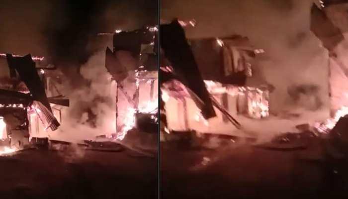 शिमला: कोटखाई में लगी भीषण आग, पोस्ट ऑफिस समेत कई मकान जलकर खाक