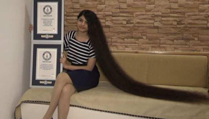 इस लड़की के नाम दर्ज है विश्व में सबसे लंबे बाल रखने का रिकॉर्ड