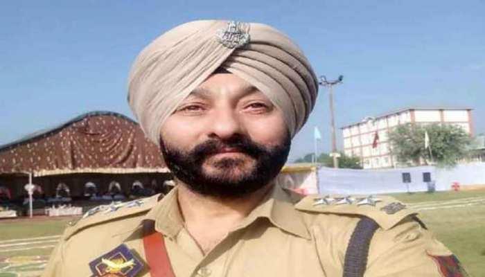 J&K: आतंकियों के मददगार DSP देवेंद्र सिंह से वापस लिया गया गैलेंट्री अवॉर्ड, नौकरी भी जाएगी