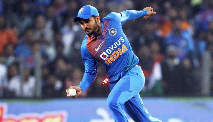 INDvsAUS: मनीष पांडे ने लिया अद्भुत कैच; ICC और BCCI ने किया ट्वीट, देखें VIDEO