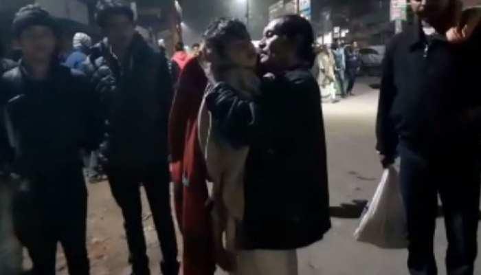 बिहार: अस्पताल प्रबंधन की फिर खुली पोल, एंबुलेंस के बदले कंधे पर शव घर लाए परिजन