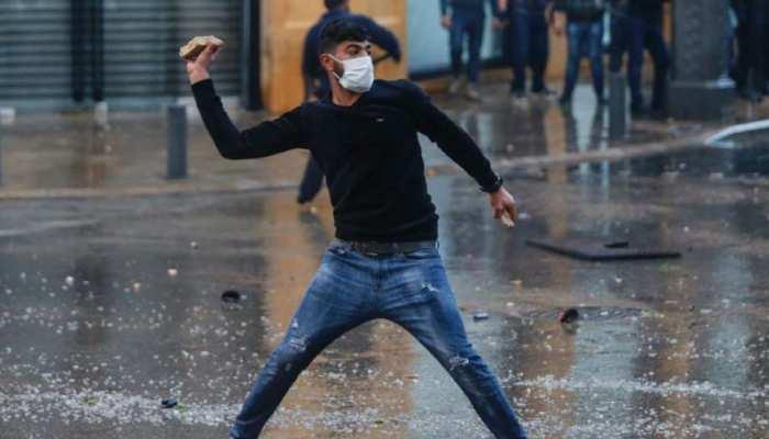 लेबनान: गिरती इकोनॉमी के मुद्दे पर प्रदर्शनकारियों और पुलिस के बीच झड़प, 300 से ज्यादा घायल