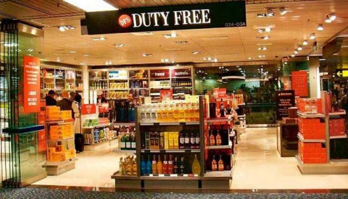 बजट 2020: एयरपोर्ट Duty Free से खरीद पाएंगे मात्र एक बोतल शराब, जानिए क्या है सरकार के मन में