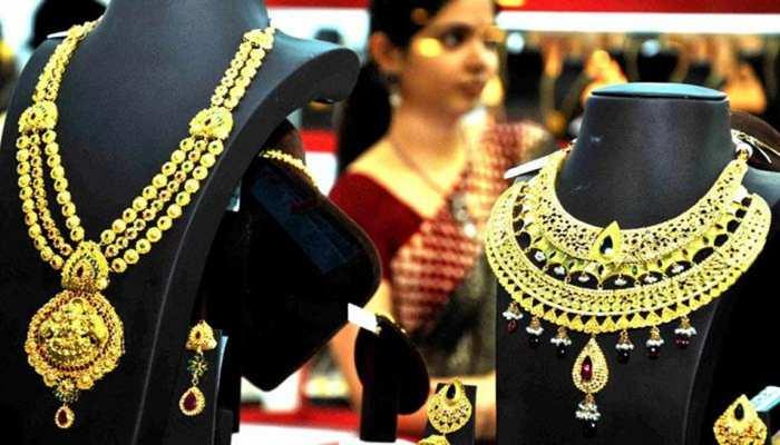 सर्जिकल स्ट्राइक के बाद भारत-पाक के बीच तनाव ने बढ़ाई सोने-चांदी की बिक्री